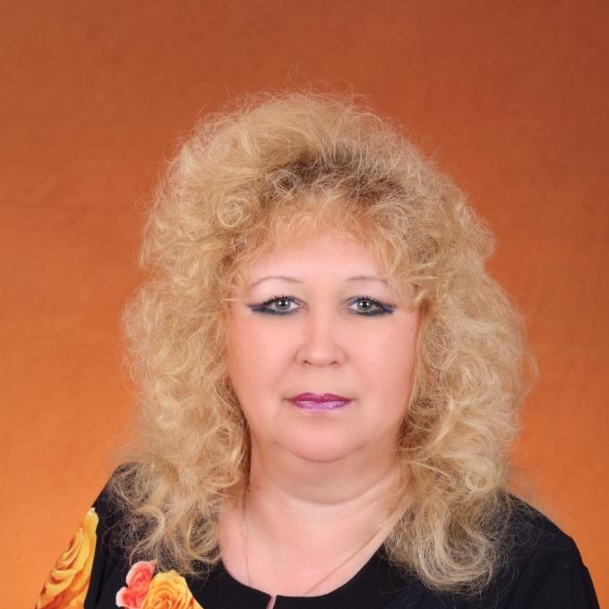 Костарева Нинель Дмитриевна